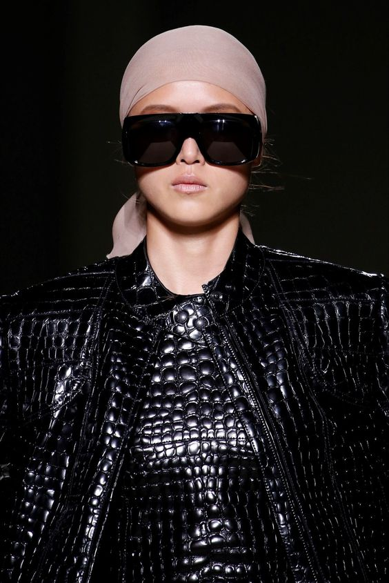 Stella McCartney, Gucci, Tom Ford or Versace. A gallery dedicated to the mask sunglasses of the Spring Summer 2019 collection