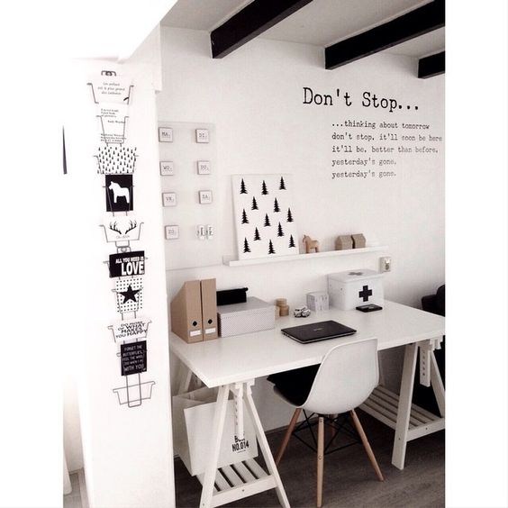 love it:Lovely working space, clean and simple: