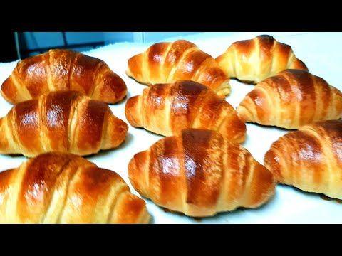 Croissant كرواسون اسهل واسرع طريقة لعمل الكرواسون بعجينة لمسمن كرواصة الكرواسون كرواصة مغربية Youtube Dessert Buffet Food Pretzel Bites
