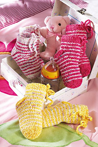 geringelte babysocken stricken anleitung stricken baby. Black Bedroom Furniture Sets. Home Design Ideas