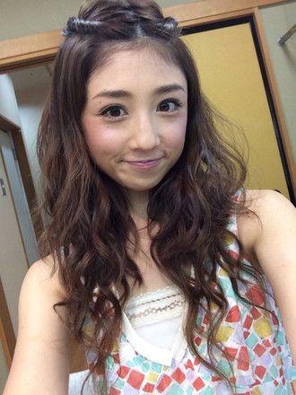おしゃれなヘアースタイルの小倉優子