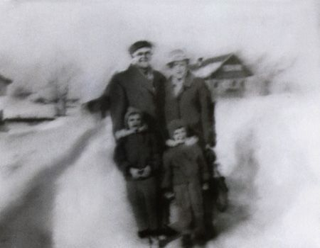 Gerhard Richter, Familie im Schnee (Family in the Snow) 1966, 53 cm x 70 cm, Oil on canvas