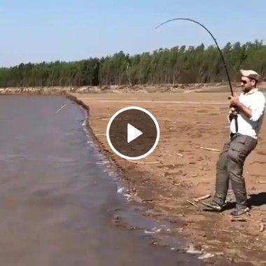 Mais que pescador mais atrapalhado ruim de pesca