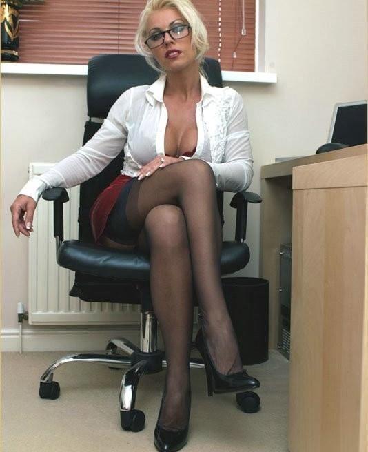 Blond office sex pics, bloopers blow job