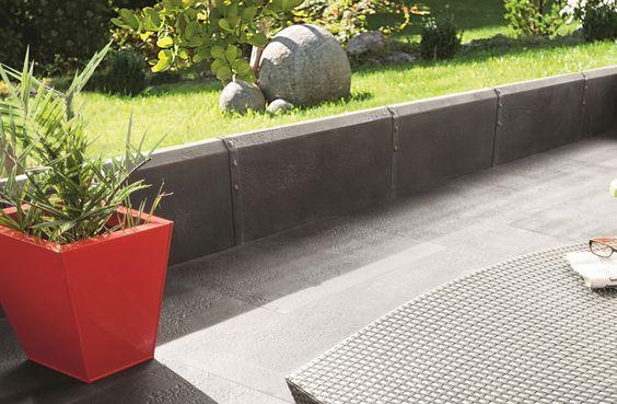 Bordure de jardin Métal de PIERRA en pierre reconstituée  Délimitez votre terrasse de style contemporaine avec la bordure Métal http://www.pierra.com/exterieur/metal-bordure/
