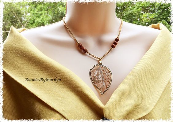 Leafs Pendant and Gold Stones Necklace. by BeautiesByMarilyn