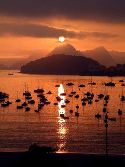 Sunset in Rio   One of the greatest places on Earth.  Saudade do pais, da musica, da comida e principalmente o povo Brasileiro!