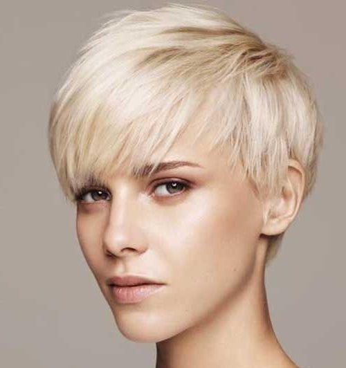 Fraulich Frisuren Fur Die Frau Kurze Haare Modell Schone Kurze Haare Kurze Haare Stylen