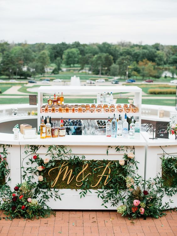 Impressive Wedding Bar Themes and Setup Ideas, a8e3b7962bbe09b7f13bef71c72279f2