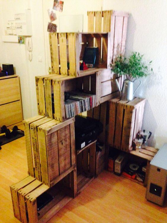 Tag re en escalier avec des caisses pommes decoration appart 39 pint - Etagere avec caisse en bois ...