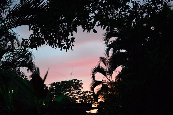 Día once,  que hermoso es el cielo cuando se viste de gala, en cada atardecer que Dios nos regala.