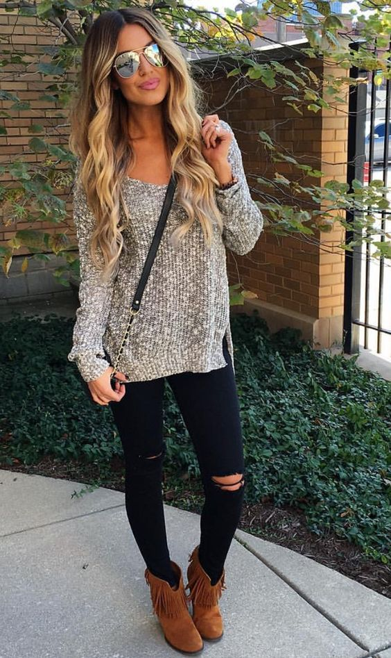 cool Sweater+ skinny distressed pants+ booties with fringe