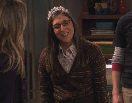 "Amy's tiara: ""Put it on me! Put it on me!"""