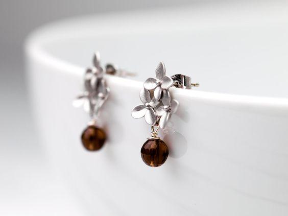 Ohrstecker - silberne Kirschblütenstecker mit Rauchquarz - ein Designerstück von Tamii-Jewelry bei DaWanda