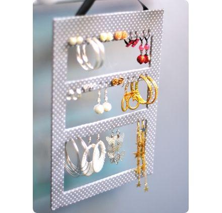 Voici comment r aliser un pr sentoir bijoux facilement - Comment faire un presentoire a bijoux ...