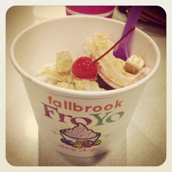 "@berryutiful's photo: "" #fallbrookfroyo #froyo #noms"""