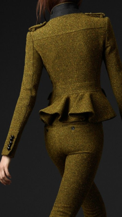 this wool's creamy saturated green tone is incredible mixed with the coat's cut. burberry prorsum.