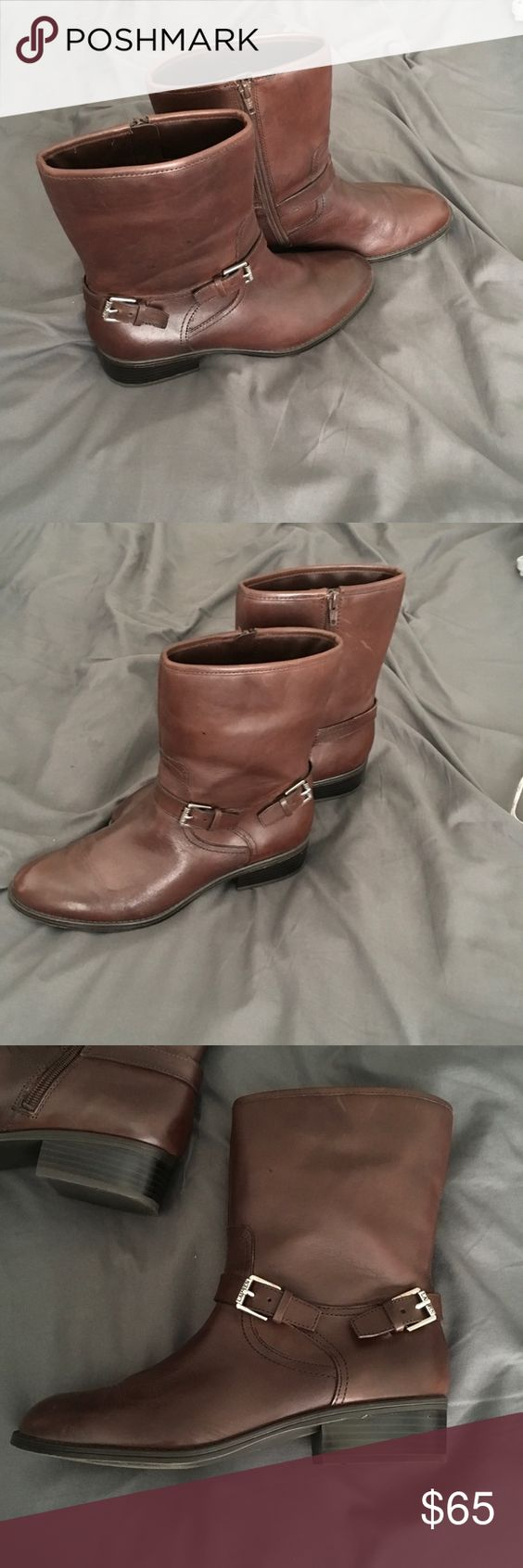 Ralph Lauren boots These Ralph Lauren ankle boots are brown leather. They have a side zipper to get into and fashionable buckles for style. They are a size 8.5 Lauren Ralph Lauren Shoes Ankle Boots & Booties