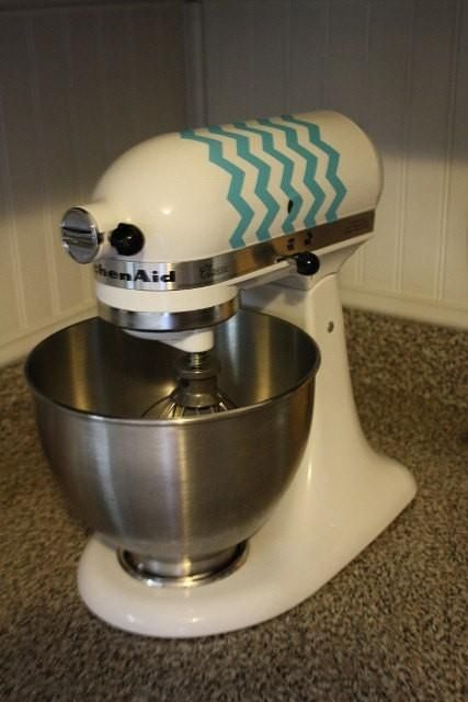 Decorate your stand mixer with a chevron design created with #uppercaseliving.  #ulmolly