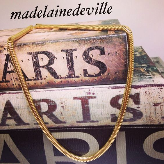 #madelainedeville #luxo #glamour #brincos#banhoouro18k #semijoias #semijoiaslindas  #semijoiasonline #semijoiasfinas WhatsApp 55 19 992996529