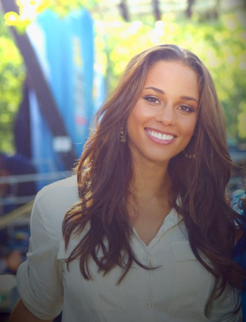 """Alicia Keys - yeah, looks just like the character 'Jessie' in """"GET EMILY"""""""