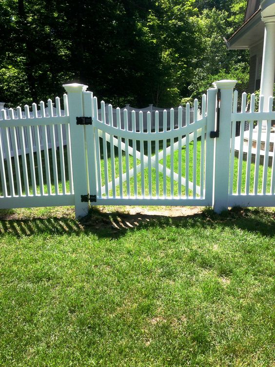 Scalloped vinyl picket gate fence pinterest