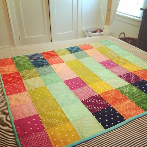 Just finished a simple  #cottonandsteel baby quilt for a friend. @cottonandsteel @missouriquiltco #quilting #patchwork #babyquilt