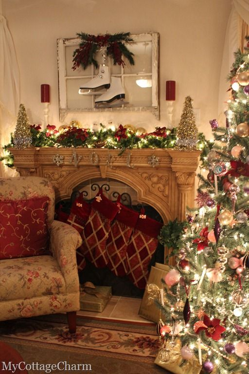 Christmas living rooms christmas scenes and scene on pinterest for Christmas living room pinterest