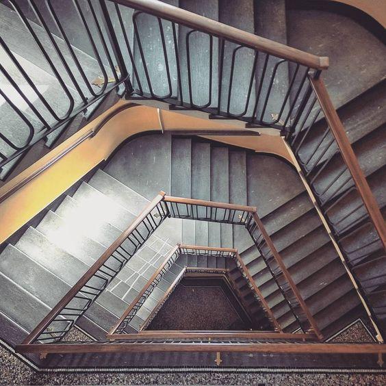 Pianoforte verticale.  #italia #milano #architecture #stairs #perspective…