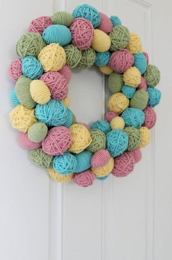 basteln zu ostern türkranz aus garn: Yarn Ball, Easter Idea, Wreath Idea, Spring Wreath, Yarn Egg, Yarn Wreath