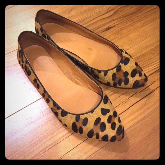 Madewell Sidewalk Skimmer in Leopard Excellent condition, worn a handful of times. No viable signs of wear except the sole, which have so much life left. Incredibly comfortable, just not wearing them enough! Madewell Shoes Flats & Loafers