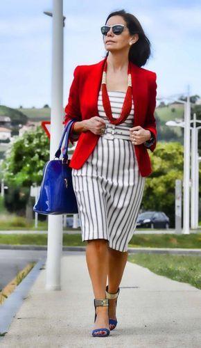 Выглядеть стильно и красиво можно в любом возрасте, главное — уметь выбирать правильные вещи. И если в молодости можно легко экспериментировать со внешностью, то в зрелом возрасте стоит отдавать предпочтение простоте, лаконичному дизайну, спокойным цветам и минимуму аксессуаров.  В 40-50 лет особенно важно оставаться нежной и женственной, и именно классический стиль придает ту самую […]