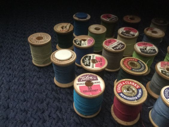 A lot of 24 vintage spools of thread All on wooden spools All have had some used of of them, but most are almost full spools Various colors as seen in photo Coats and Clark, Talon, Star, A couple have plastics insert in hole to trap end of thread All are small spools