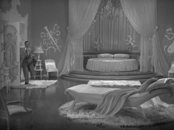 art deco bedroom hollywood and bridal suite on pinterest. Black Bedroom Furniture Sets. Home Design Ideas