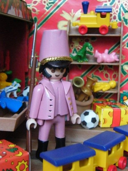 Le soldat rose en playmobil - custom dominique bethune collectionneur de playmobil