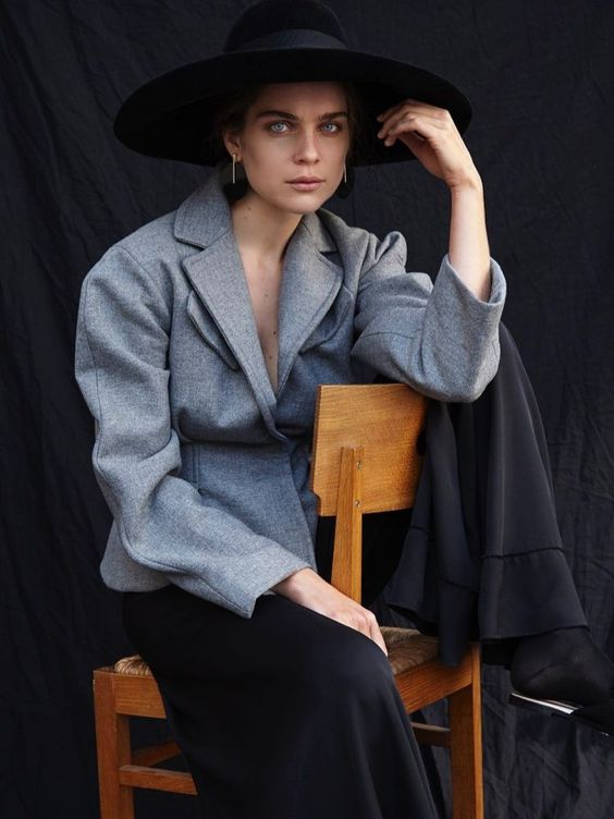 Kim Noorda takes on statement hats for the December 2017 issue of L'Officiel Netherlands. Captured by Nicky Onderwater, the Dutch model poses in rustic sty #HatsForWomen2018