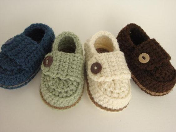 MOCASSIM BABY - R$22.00: Button Loafers, Baby Loafers, Boy Shoes, Baby Shoes, Baby Boy, Babyboy, Baby Stuff