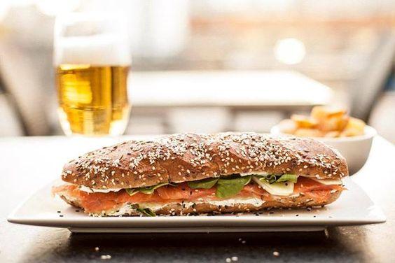 Vos y este almuerzo merecen que pares, aunque sea un ratito. Que conectes con la pausa, con el SOL . No es negociable =)