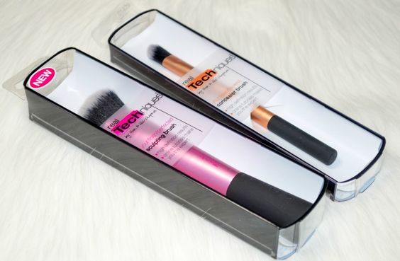 Real Techniques Sculpting Brush & Real Techniques Concealer Brush.