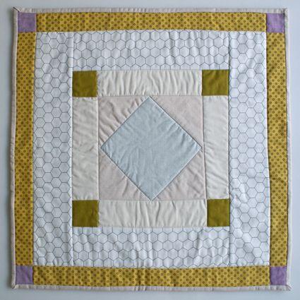 Amish Diamond: Crafts Patterns, Quilt Block, Mini Quilts, Amish Quilts, Craft Patterns, Bee Mini, Miniquilt Mania, Quilts Mini, October Mini