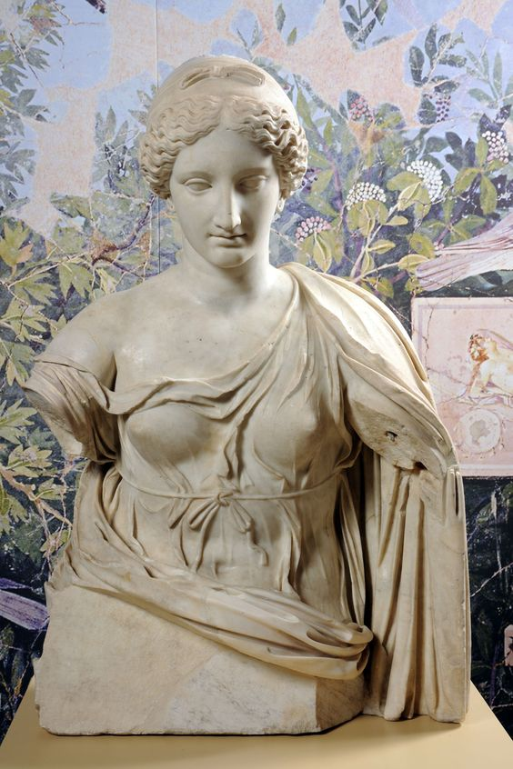 Afrodite, marmo età imperiale. Musei Capitolini, Palazzo Nuovo, Roma