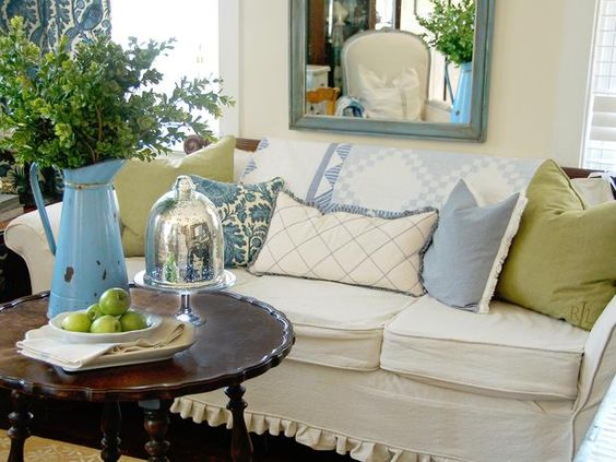 Love this look!  Cottage sweetness!