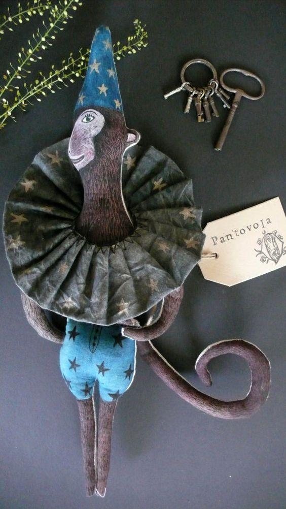 Anouk de Groot - Pantoffel Circus Monkey - Fabric Art Doll - soft sculpture puppet