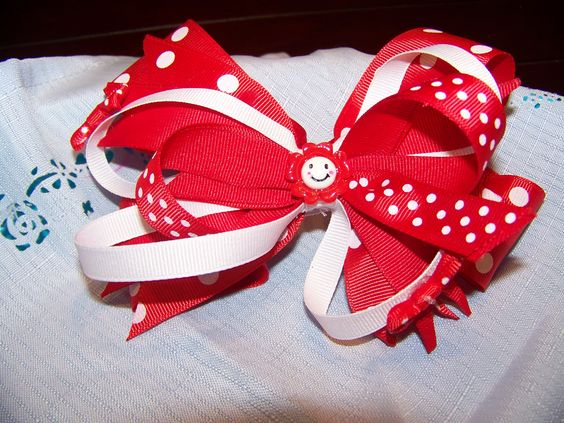 Adorable red/white stacked hairbow