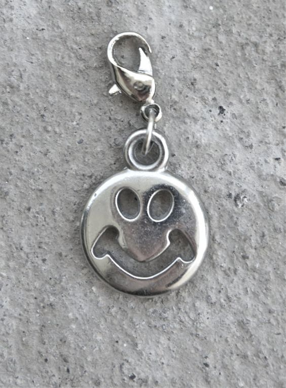 90s Smiley Face Clip On Charm~