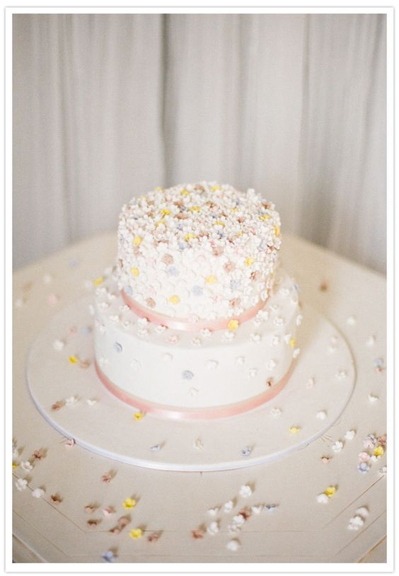 Photography: Feather and Stone Photography/ Cake: Deliciously Decadent Cakes