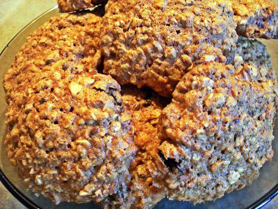 Przedstawiam wam przepis na świąteczne i zdrowe ciasteczka imbirowe z rodzynkami, siemieniem lnianym i wiórkami kokosa. http://naturalniezdrowy.com.pl/ciasteczka-imbirowe/