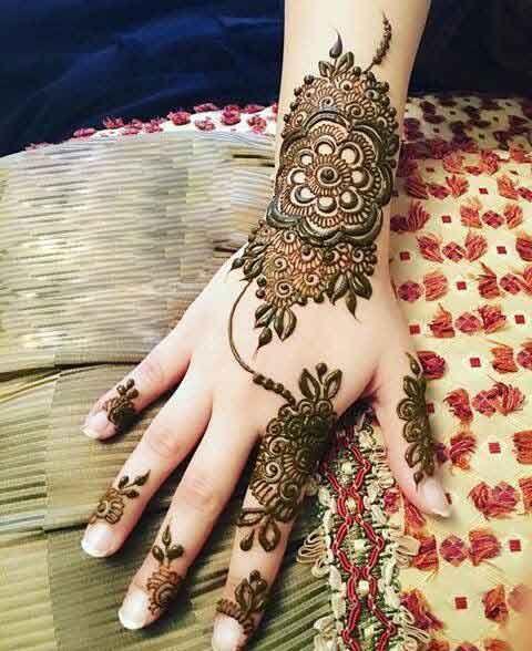 simple mehndi designs for engagement bride