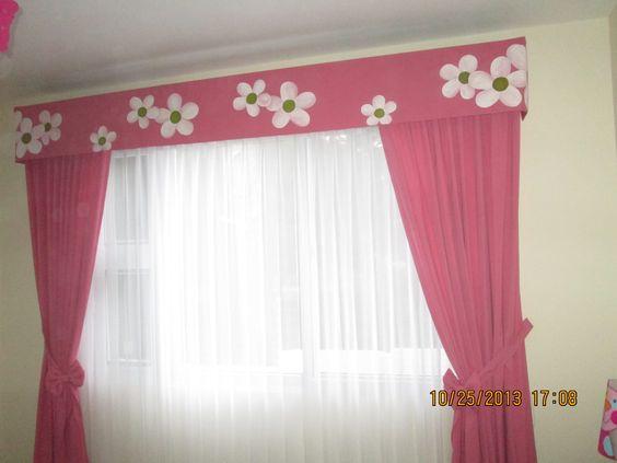 cortinas para dormitorio de nia la cenefa tiene pintado a mano el diseo de flores