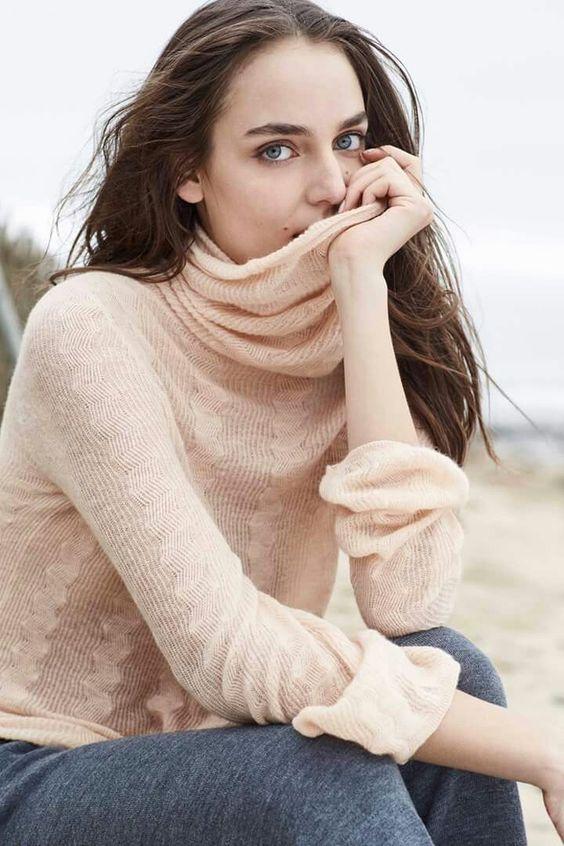 La stagione fredda sta per tornare e il dolcevita è il passepartout perfetto per i look autunnali. Quello di stefanel è in lana leggera e in tonalità rosa!!  #stefanelvigevano #stefanel #vigevano #lomellina #piazzaducale #stile #moda #trendy #shopping #newcollection #negozio #shop #fallwinter2016 #autunnoinverno2016 #outfits #outfitoftheday